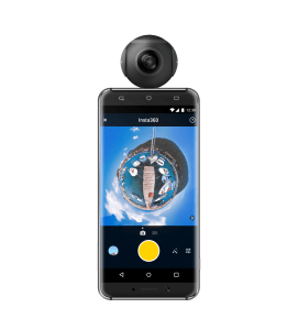Insta360 Air Black with Phone 1-min