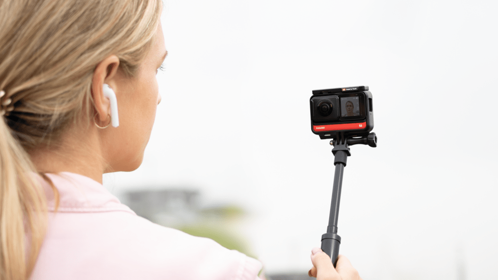 Insta360 ONE R compatible with Airpods for audio recording